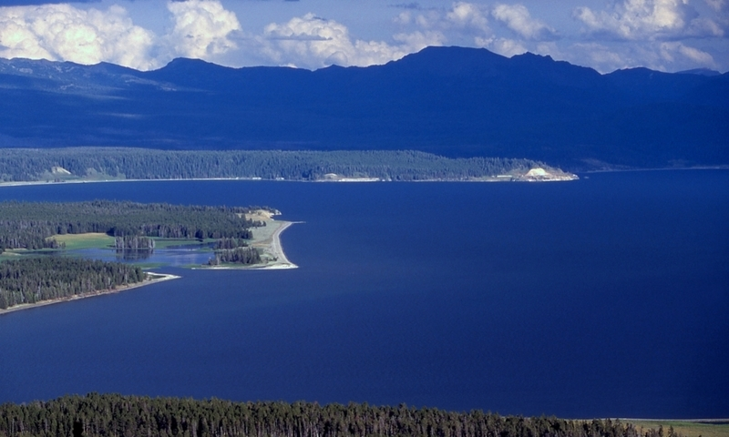 14595_CFepk_Yellowstone_Lake_lg